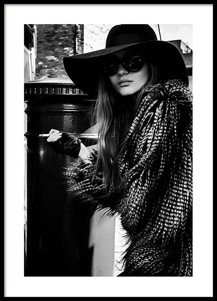 Lady In The Hat Poster in der Gruppe Poster / Fotografien bei Desenio AB (10163)